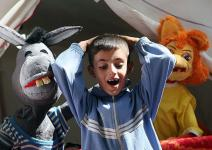 (تصاویر) برنامههای شاد برای کودکان زلزلهزده